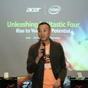 Photo 1 Acer Malaysia Director of Products, Johnson Seet delivering his welcome note
