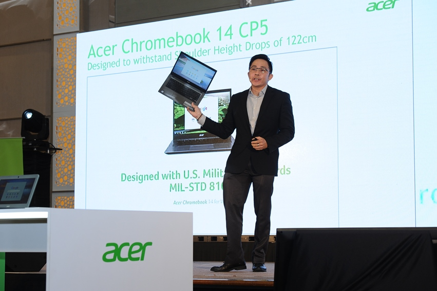 Photo 2 Product Presentation by Andy Tan, Commercial Product Manager, Acer Malaysia