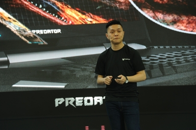 Photo 2 Product Presentation by Jeffrey Lai, Product Manager from Acer Malaysia